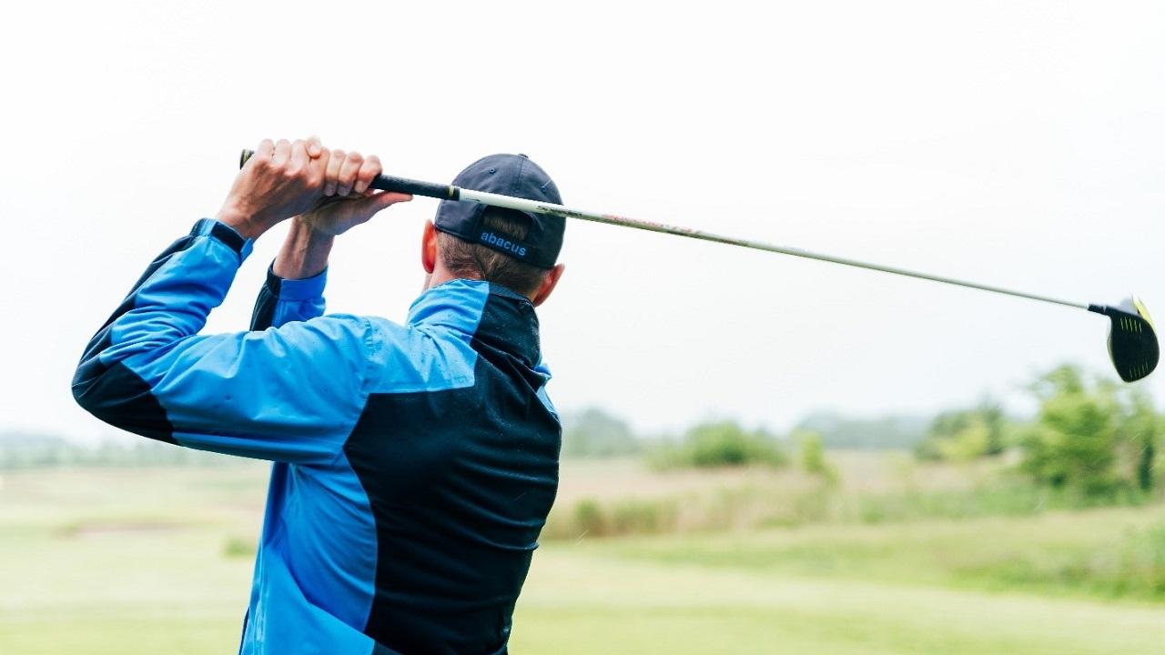 KGH's toldoplagsløsning muliggør en hurtig levering til golfspillere.