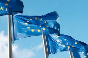 2 1 4-Intrasat-services_stock-photo-19326034-european-union-flags-hr-1024x678flaggor liten